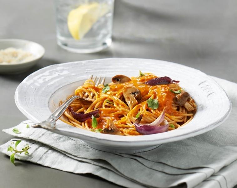 Spagetti med ovnsstekte grønnsaker
