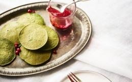 Spinat Pannekaker med Tyttebær