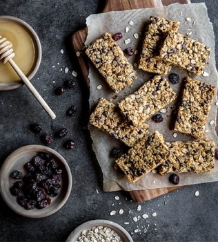 Gooey Granola Bar